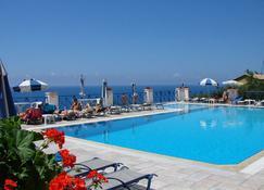 Lido Sofia Apartments - Agios Gordios - Bể bơi