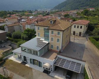 Hotel Miramonti - Bassano del Grappa - Building