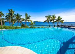 Mana Island Resort & Spa - Mana Island - Pool