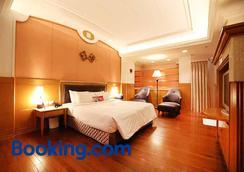 Royal Group Motel Tainan Branch - Tainan - Bedroom