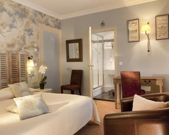 Hôtel Le Central - Trouville-sur-Mer - Schlafzimmer