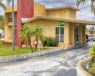 Travel Inn Fort Pierce - Fort Pierce - Gebäude