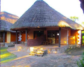 Secrets Guest House - Entebbe - Gebouw