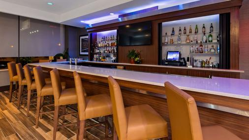 Best Western Plus Philadelphia Convention Center Hotel - Philadelphia - Bar