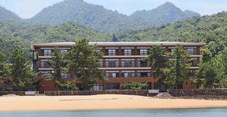Miyajima Seaside Hotel - Hiroshima