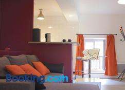 Le Petit St Lazare - Autun - Sala de estar