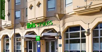 Ibis Styles Lille Centre Gare Beffroi - Lille - Building