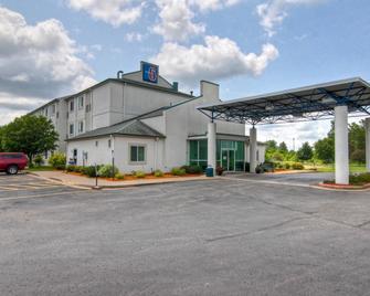 Motel 6 Menomonie - Menomonie - Gebäude