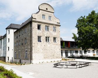 Djh Jugendherberge Burghausen - Burghausen - Building