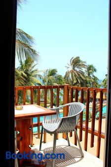 Hotel Jardin Savana Dakar - Dakar - Balcony