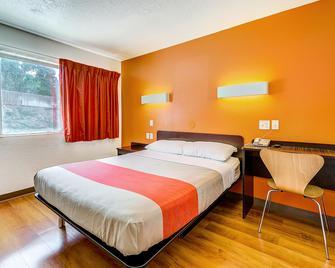 Motel 6 Denver - Thornton - Thornton - Schlafzimmer
