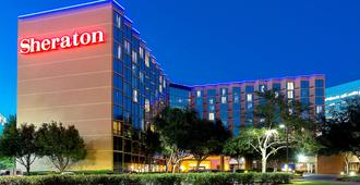 Sheraton Houston Brookhollow Hotel - Houston - Building