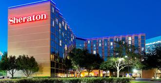 Sheraton Houston Brookhollow Hotel - Houston - Rakennus