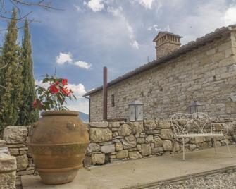 Borgo di Vezzano - Calenzano - Building