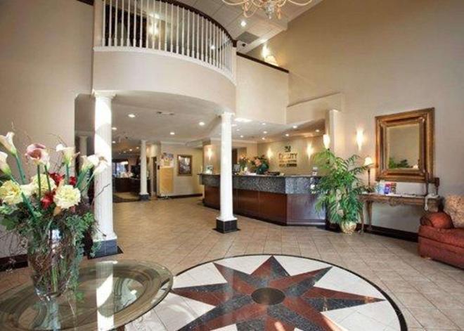 大學城品質套房酒店 - 瓦柯 - 韋科 - 櫃檯