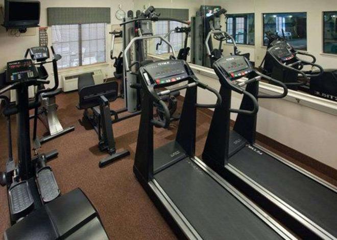 大學城品質套房酒店 - 瓦柯 - 韋科 - 健身房