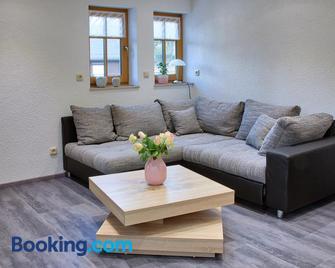Ferienhaus Fam. Herklotz - Seiffen - Wohnzimmer