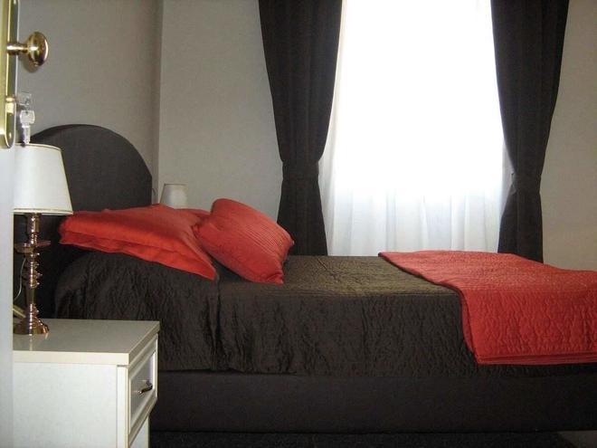 Appia Nuova Holiday - Rome - Bedroom