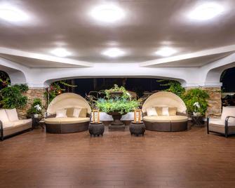 The Volare Ascend Hotel Collection - San Clemente - Salónek
