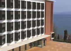 Lake Geneva Hotel - Versoix - Building