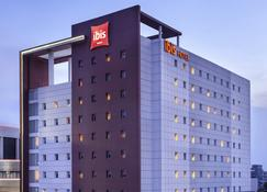 Ibis Surabaya City Center - Surabaya - Building