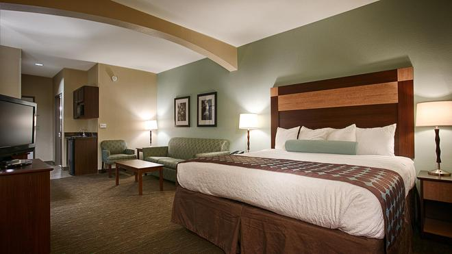 Best Western Plus Texarkana Inn & Suites - Texarkana - Makuuhuone