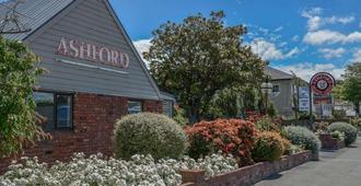 Ashford Motor Lodge - כרייסטצ'רץ' - בניין