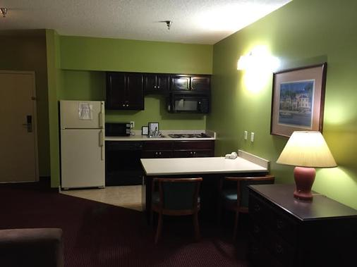 Guest Cottage And Suites - Brunswick - Κουζίνα