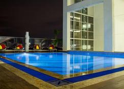 The Concord Hotel & Suites - Ναϊρόμπι - Πισίνα