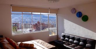 Bed And Breakfast La Uvilla - Quito - Living room