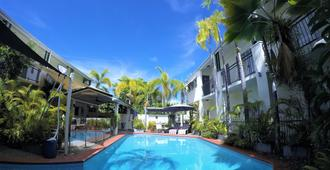 Crystal Garden Resort & Restaurant - Cairns - Uima-allas
