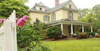 The Dailey Renewal Retreat B & B - Greensboro - Bygning