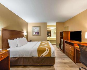 Quality Inn - Quincy - Schlafzimmer