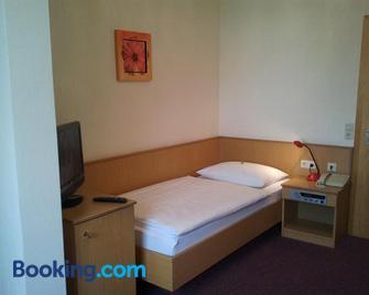 Gästehaus Galant - Esslingen am Neckar - Bedroom