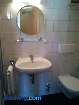 Gastehaus Galant - Esslingen am Neckar - Bathroom