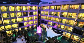 The Kee Resort & Spa - Patong - Building