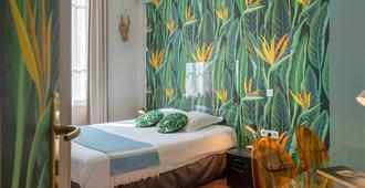 Hôtel Cecil - Antibes - Bedroom