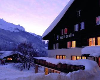 Klosters Youth Hostel - Klosters-Serneus - Building