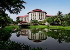 Radisson Blu Dhaka Water Garden - Dhaka - Gebäude