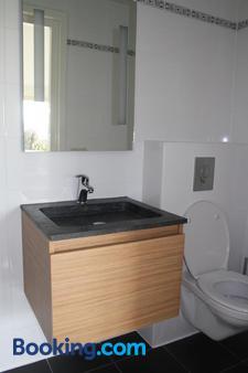 B&B De Nieuwe Stal - Scherpenisse - Bathroom