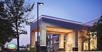 TownePlace Suites by Marriott Mississauga-Airport Corporate Centre - Mississauga