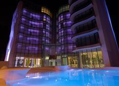 愛套房酒店 - 里米尼 - 里米尼 - 建築