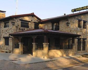 Hotel Rural Santa Inés - Vinuesa - Gebouw