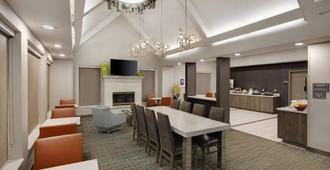 Residence Inn by Marriott Indianapolis Airport - אינדיאנאפוליס - מסעדה