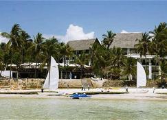 Voyager Beach Resort - Mombassa - Buiten zicht