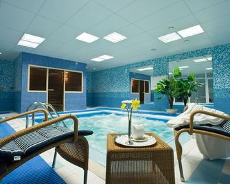 Best Baltic Kaunas Hotel - Kauen - Pool