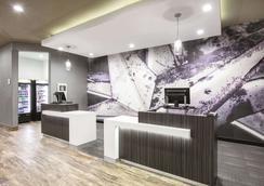 La Quinta Inn & Suites by Wyndham Amarillo Airport - Amarillo - Hành lang