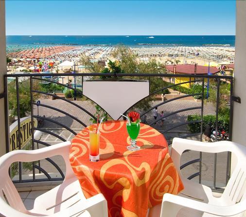 Hotel Prestige - Cattolica - Balcony