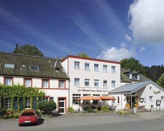 Hotel Zur Post - Deudesfeld - Building