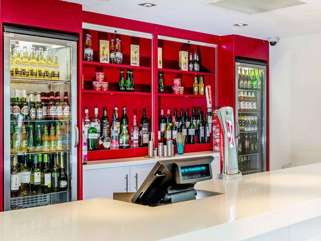 Travelodge Stratford Upon Avon - Stratford-upon-Avon - Bar